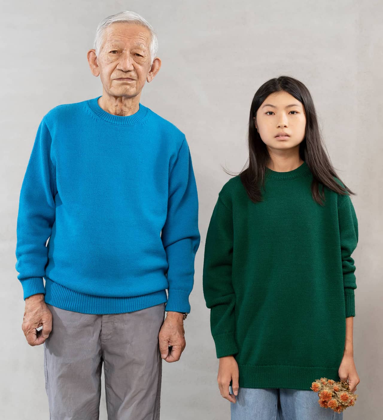 Grandfather and granddaughter 祖父と孫